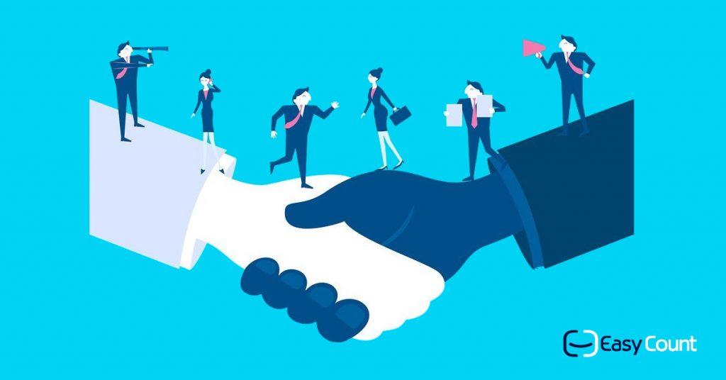 תכנית שותפים איזיקאונט - לחיצת ידיים שאנשים הולכים עליהם